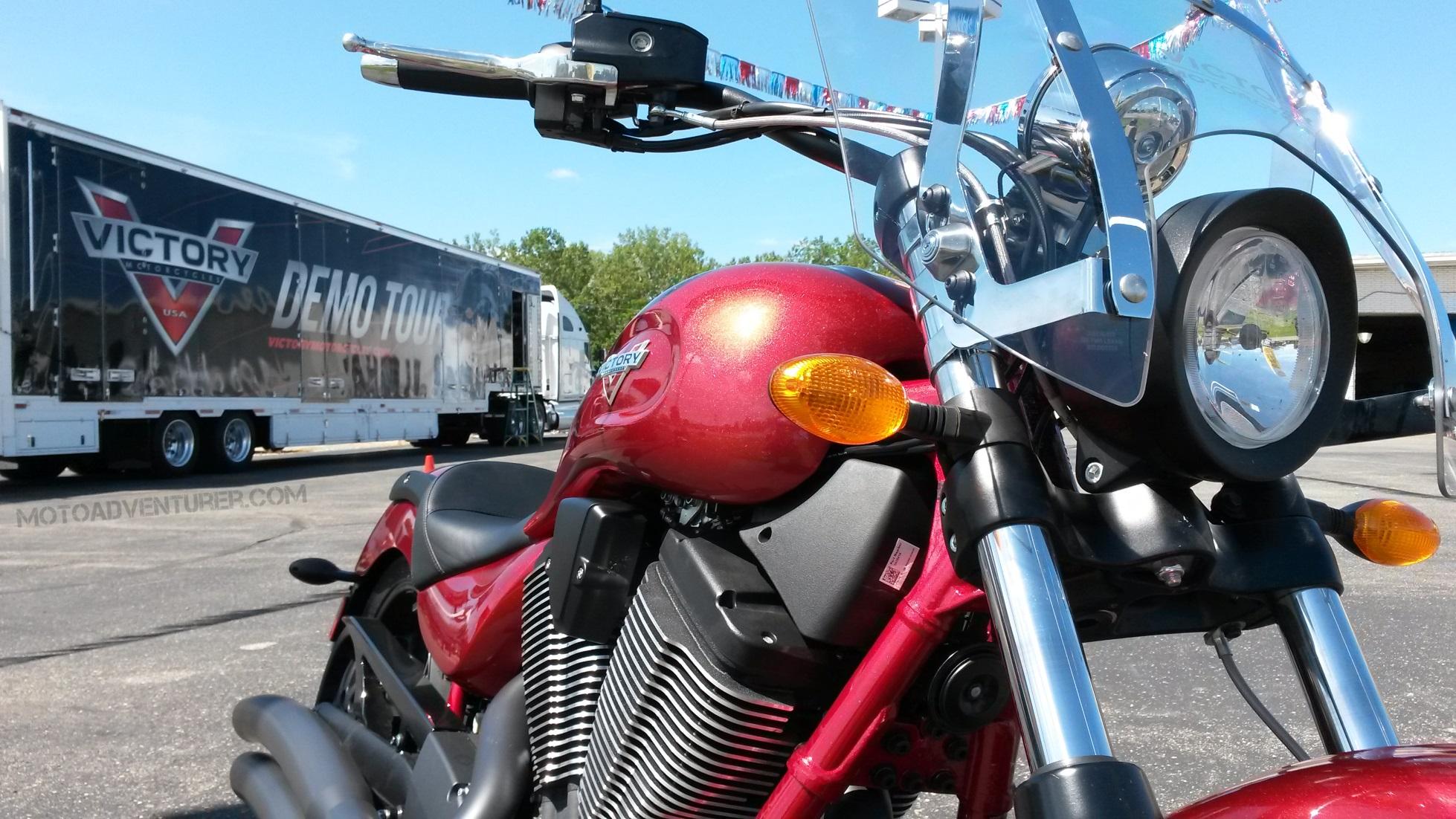 2015 victory vegas first impressions moto adventurer. Black Bedroom Furniture Sets. Home Design Ideas