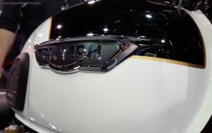 MotoADVR_TriumphT120TankBadge