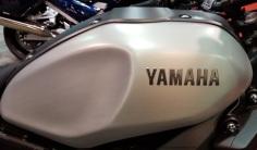 MotoADVR_YamahaXSRtank