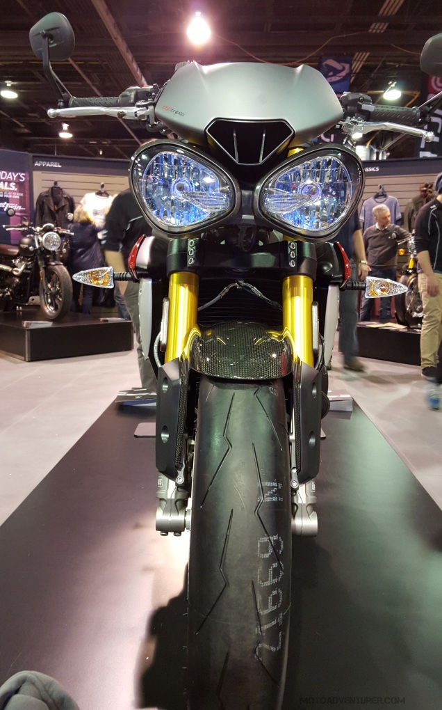 MotoADVR_Triumph16SpeedTripleFront