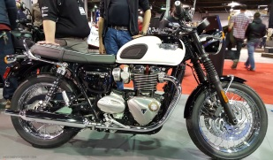 MotoADVR_TriumphT120