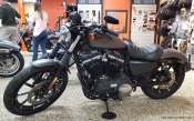 MotoADVR_Harley-Davidson_883_Iron_Left