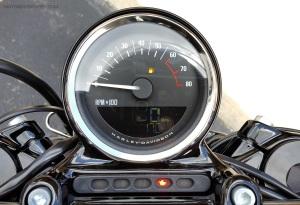 MotoADVR_Harley-Davidson_Roadster_Gauges