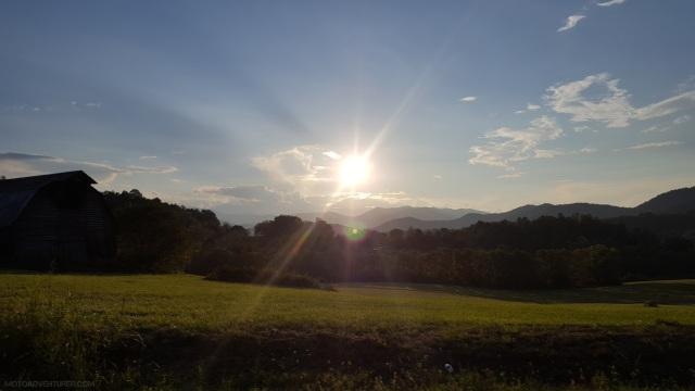 motoadvr_nc28_mountainsunset