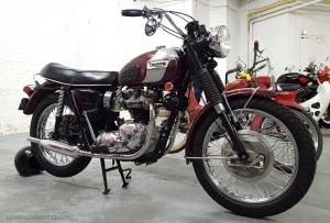 triumph-bonneville-vintage-motoadvr