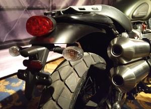 triumph-street-scrambler-tail-motoadvr