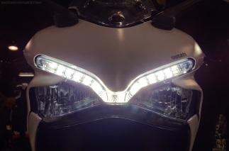 2017-ducati-super-sport-led-lights-motoadvr