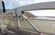 Simon Kenton Memorial Bridge (DP&L in background)