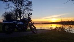 Triumph Scrambler Sunset River MotoADVR