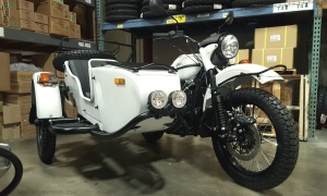 Ural Gear Up RF Rainier White MotoADVR