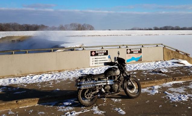 Hydraulic Dam Triumph Scrambler MotoADVR