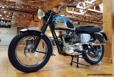 Triumph T120 MotoADVR